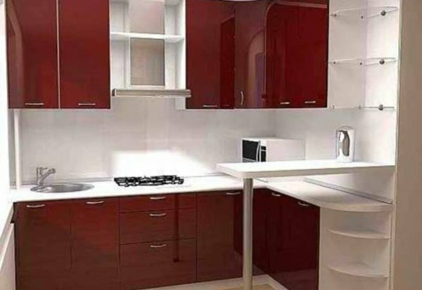 Барную стойку можно разместить даже в самой маленькой кухне