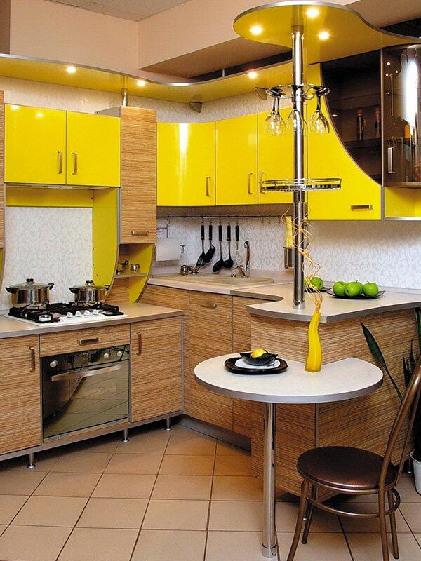 Те, кто любит яркую жизнь, смогут отразить это даже в кухонном гарнитуре