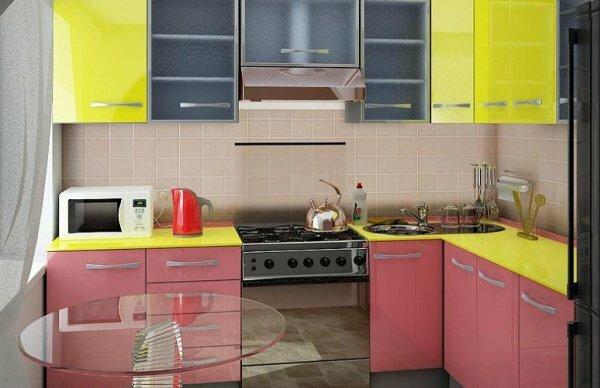 Любителей розового порадует сочетание этого цвета с ярко-желтым