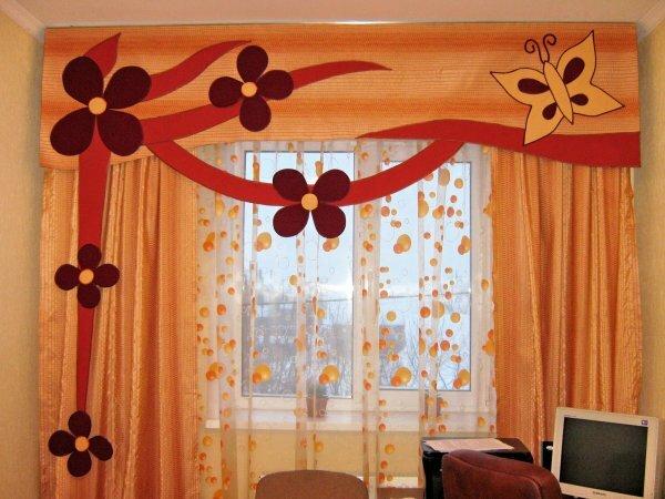 Оранжевые цветы – шторы и тюлевые гардины