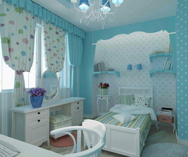Яркие горохи для голубой спальни