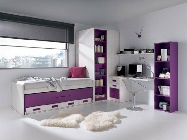 Бело-фиолетовая комната в стиле минимализм