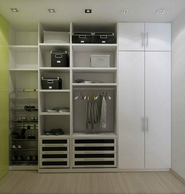 Открытая гардеробная со шкафом