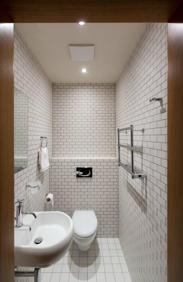 Белый «кирпичный» туалет»