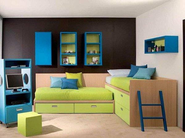 Угловая кровать-чердак с диваном