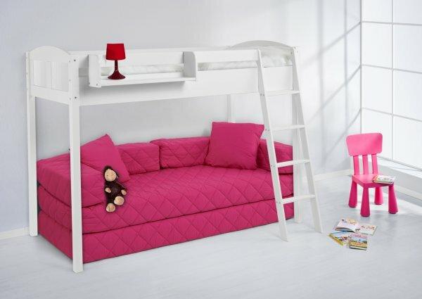 Розовая кровать-чердак для маленькой принцессы