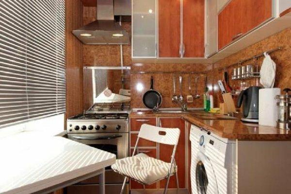 Компактная кухня для холостяка или молодоженов