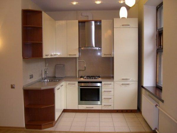 Убрав стену, отделяющую кухню от основной комнаты, вы получите дополнительное пространство