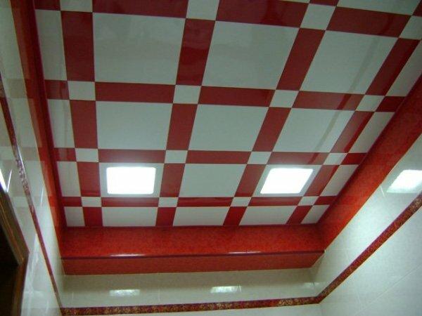 Красно-белая глянцевая клетка