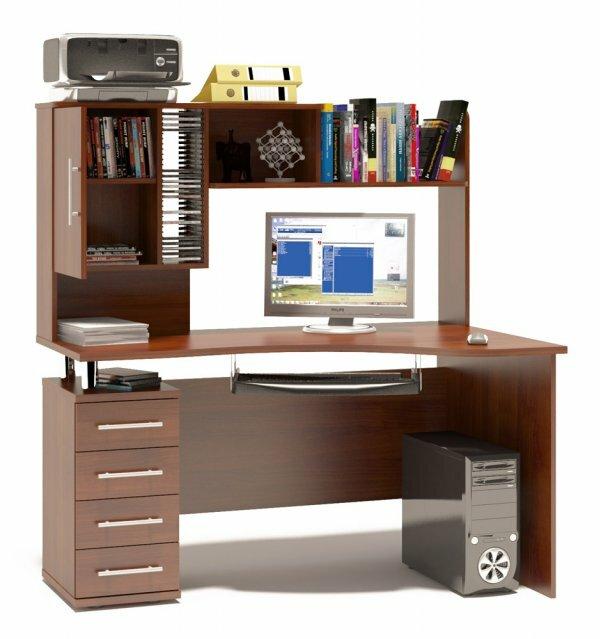 Компьютерный стол с широким стеллажом