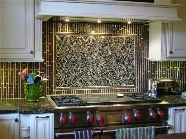Эффектное мозаичное панно кофейного цвета