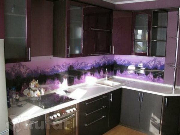 Фиолетовое панно «Горы»