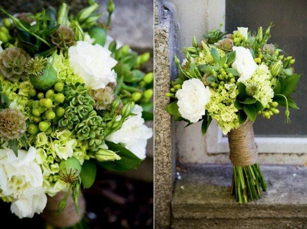 Зеленые маки, суккуленты и нежные белые цветки – идеальный весенний букет