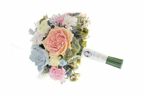 Букет невесты, сделанный из ткани