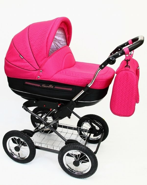 Традиционный цвет для девочкиной коляски – розовый