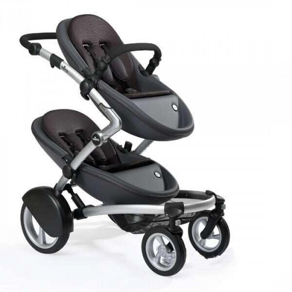 Фото современной модели для двойняшек. Такие коляски имеют большой набор конфигураций