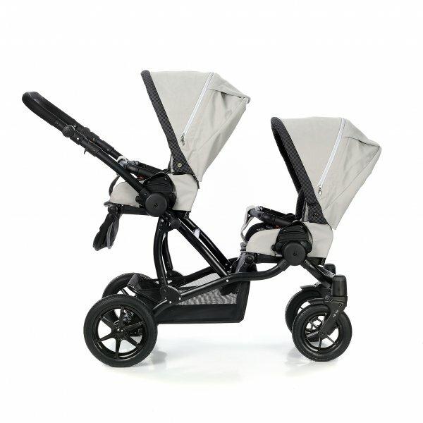 Вертикальное расположение сидений – оптимальный вариант, если вы часто гуляете с ребенком одни