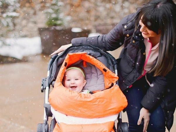 Обращайте внимание на материалы, из которых сделан теплый конверт в детской коляске