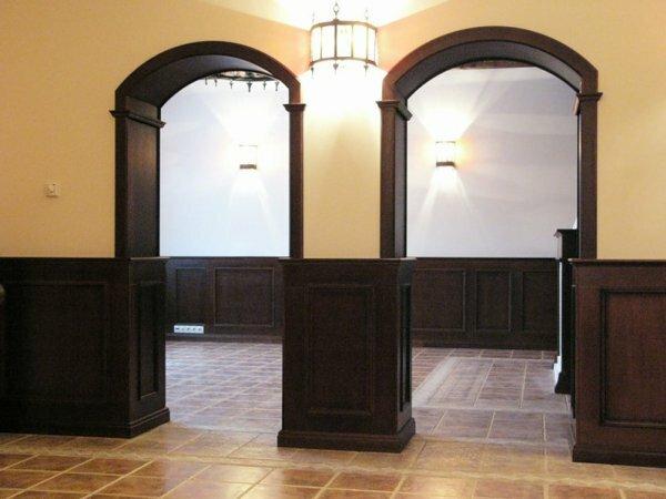 Классическое сочетание с деревянными настенными панелями – основа традиционного английского интерьера