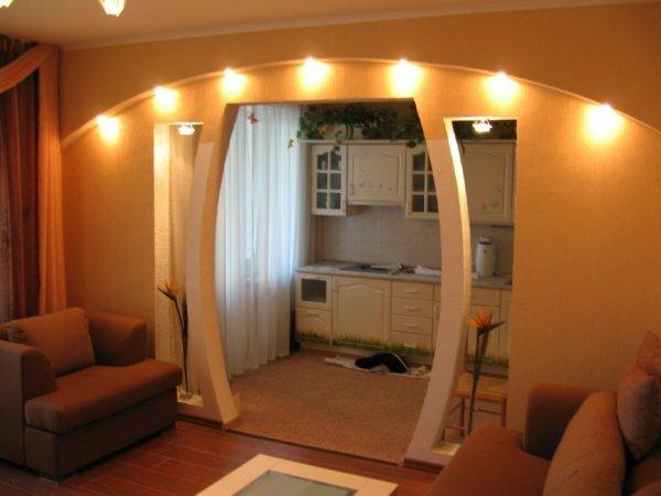 Вмонтированные светильники помогут создать интересное освещение в комнате