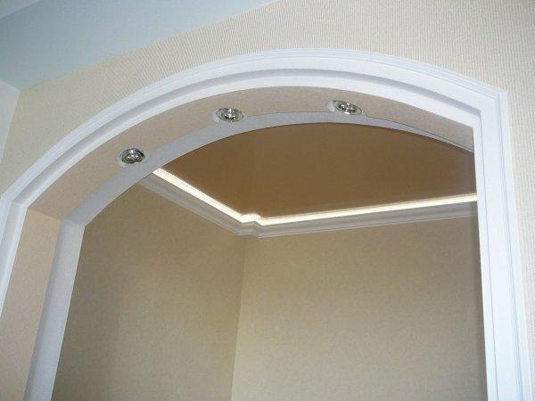 Фото классической арки с подсветкой