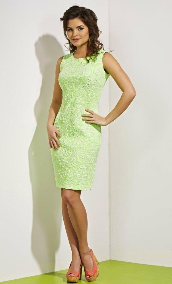 Салатовый цвет – отличный вариант для летнего наряда