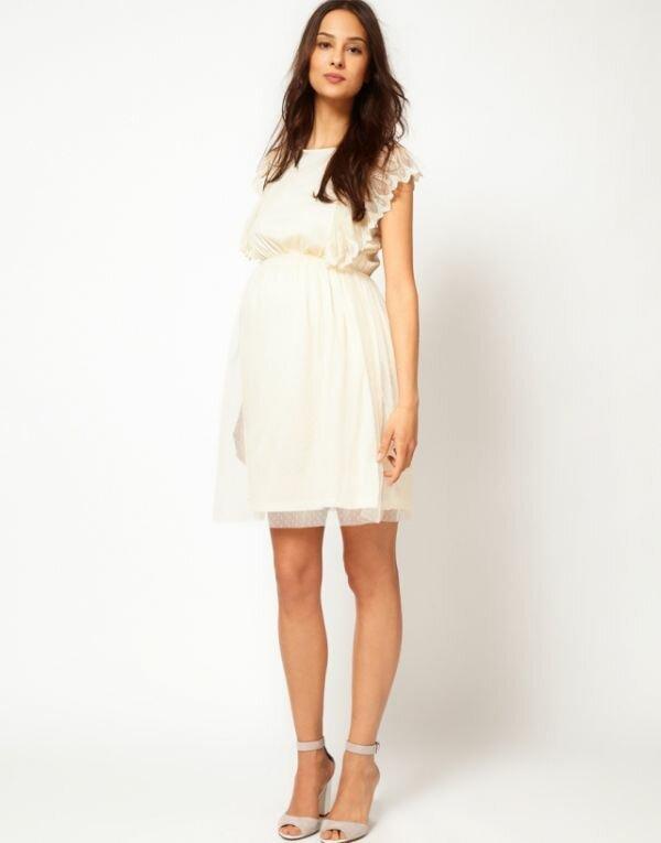 Фото легкого летнего платья с многослойной фактурой