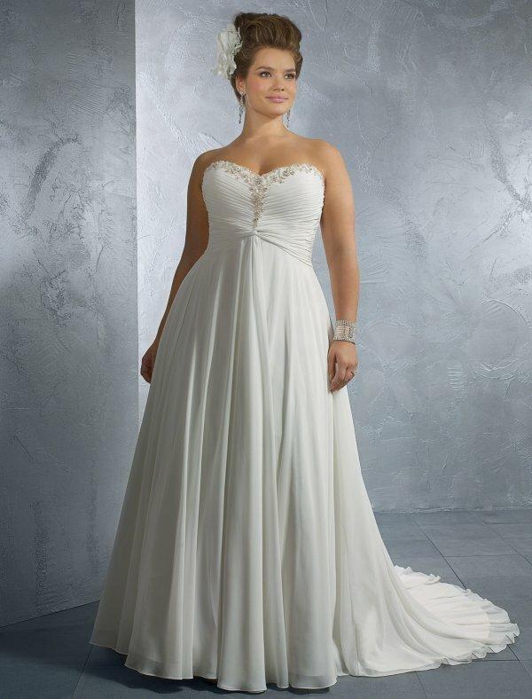 Классическое пышное свадебное платье для беременных. На фото видно, что оно без корсета, а ткань сама красиво драпируется