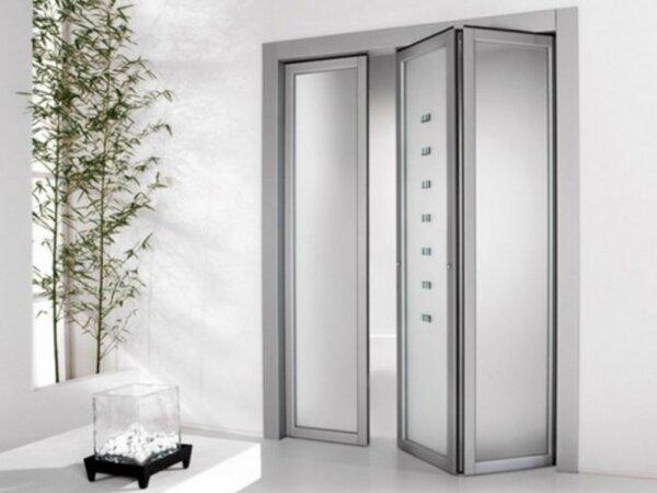 Минимализм – один из стилей, в котором такая дверь будет уместна