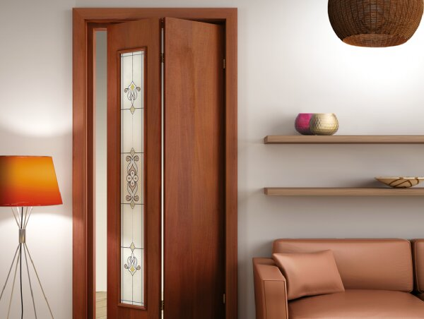 Складная застекленная дверь в классическом дизайне