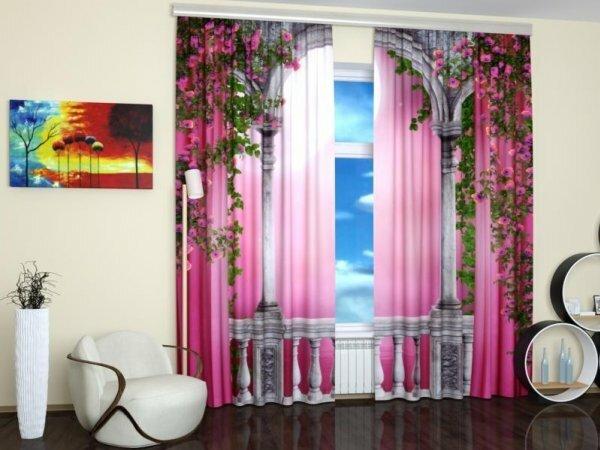 Необычный пейзаж на шторах прекрасно дополняет минималистический интерьер гостиной