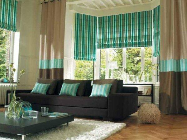Текстиль в сочетании с римскими шторами – смелый ансамбль