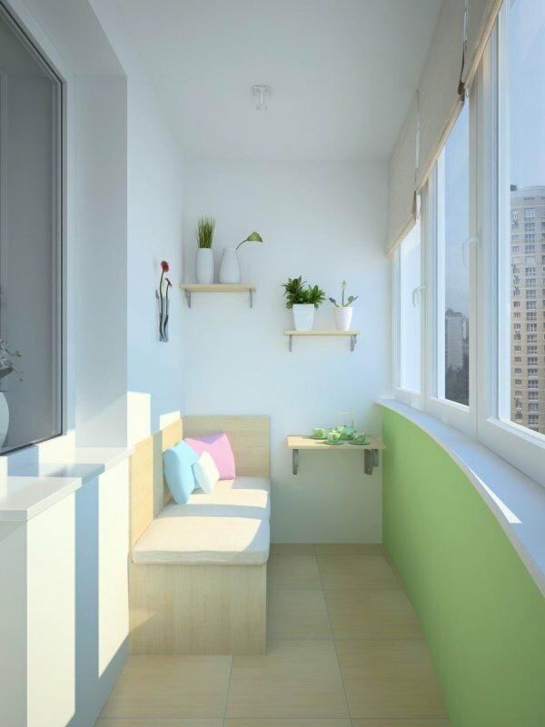 Яркая идея для дизайна балкона в панельном доме