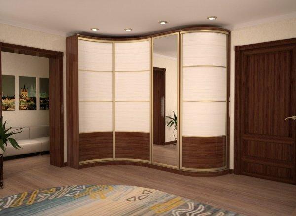 Несмотря на внешнюю компактность, радиусные шкафы очень вместительны и рассчитаны на максимальное наполнение