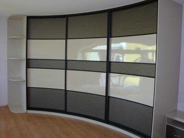 Полукруглый шкаф – оригинальная альтернатива привычной угловатой корпусной мебели