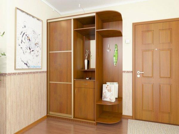 Один такой шкаф заменит массу громоздкой мебели в прихожей