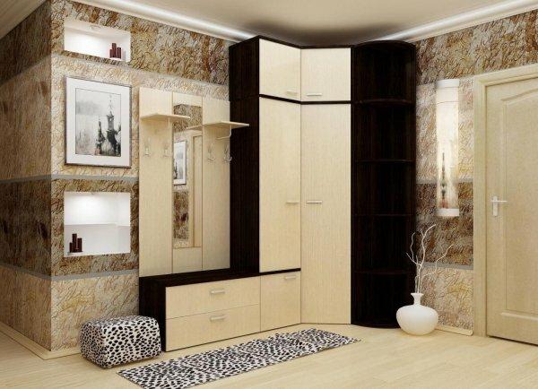 Угловая прихожая, выполненная под заказ и вписывающаяся в общий стиль квартиры