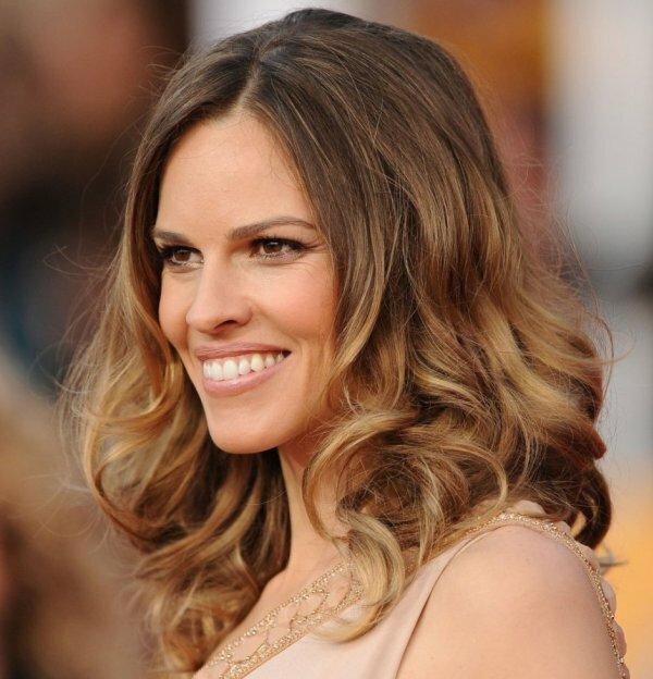 Обычный вариант омбре на средних волосах выглядит так же эффектно как и на длинных
