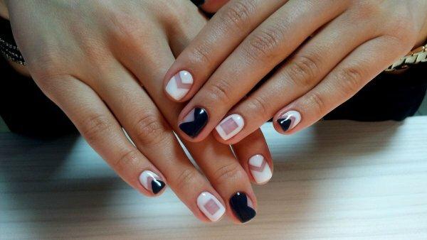 Контрастные геометрические мотивы на ногтях – «изюминка» 2015 года