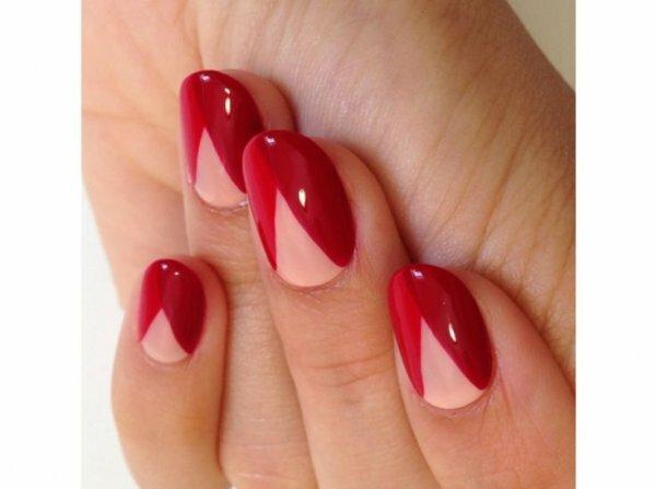 Три оттенка красного – необычные диагональные полоски
