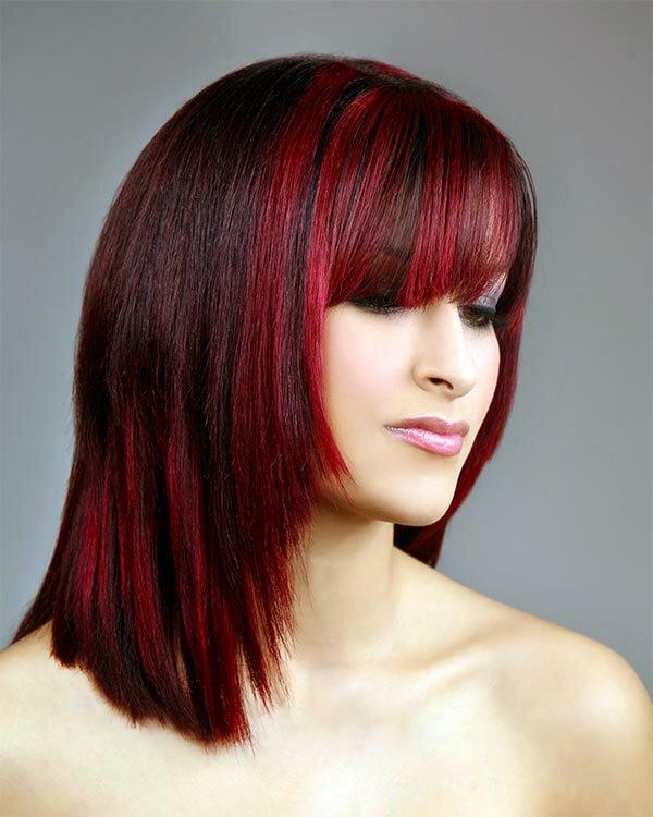 Ярко-красные пряди добавят темно-каштановым волосам оригинальности