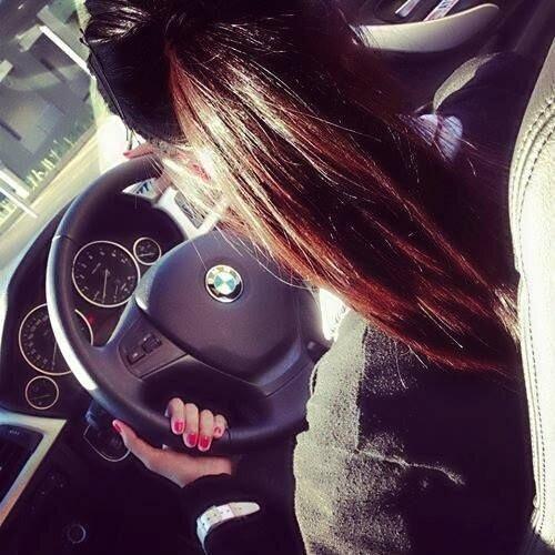 Стильные и яркие девушки выбирают BMW