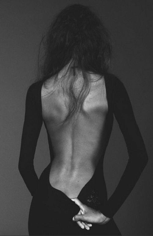 Открытая спина – признак женственности и откровения