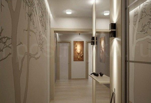 Слишком высокие потолки можно замаскировать, разместив светодиодные светильники по периметру стен ниже их стыка с потолком
