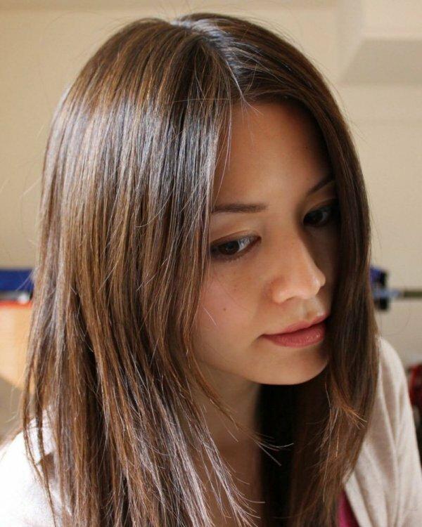Шоколадное венецианское мелирование на тонких прямых волосах