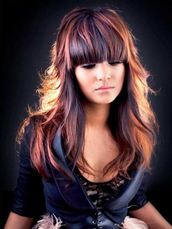 Яркое разноцветное колорирование на тёмных волосах