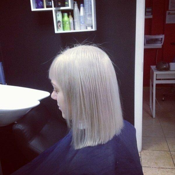 Эффектная платина на светлых волосах