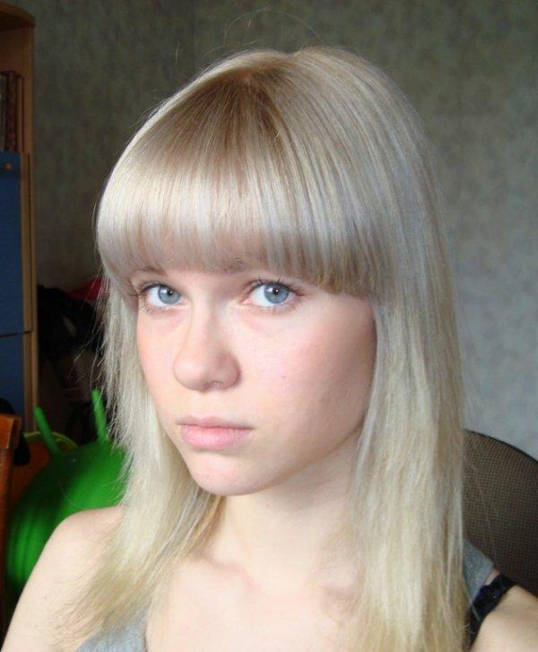 Нежный жемчужный оттенок на светлых волосах