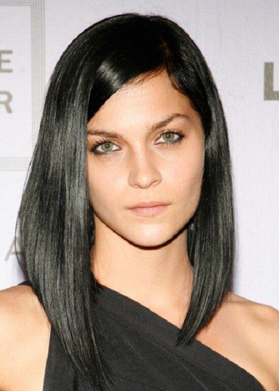 Ещё вариант каре с удлинением на тонкие волосы