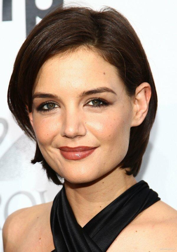 Для вытянутого лица – прямые низкие брови средней густоты